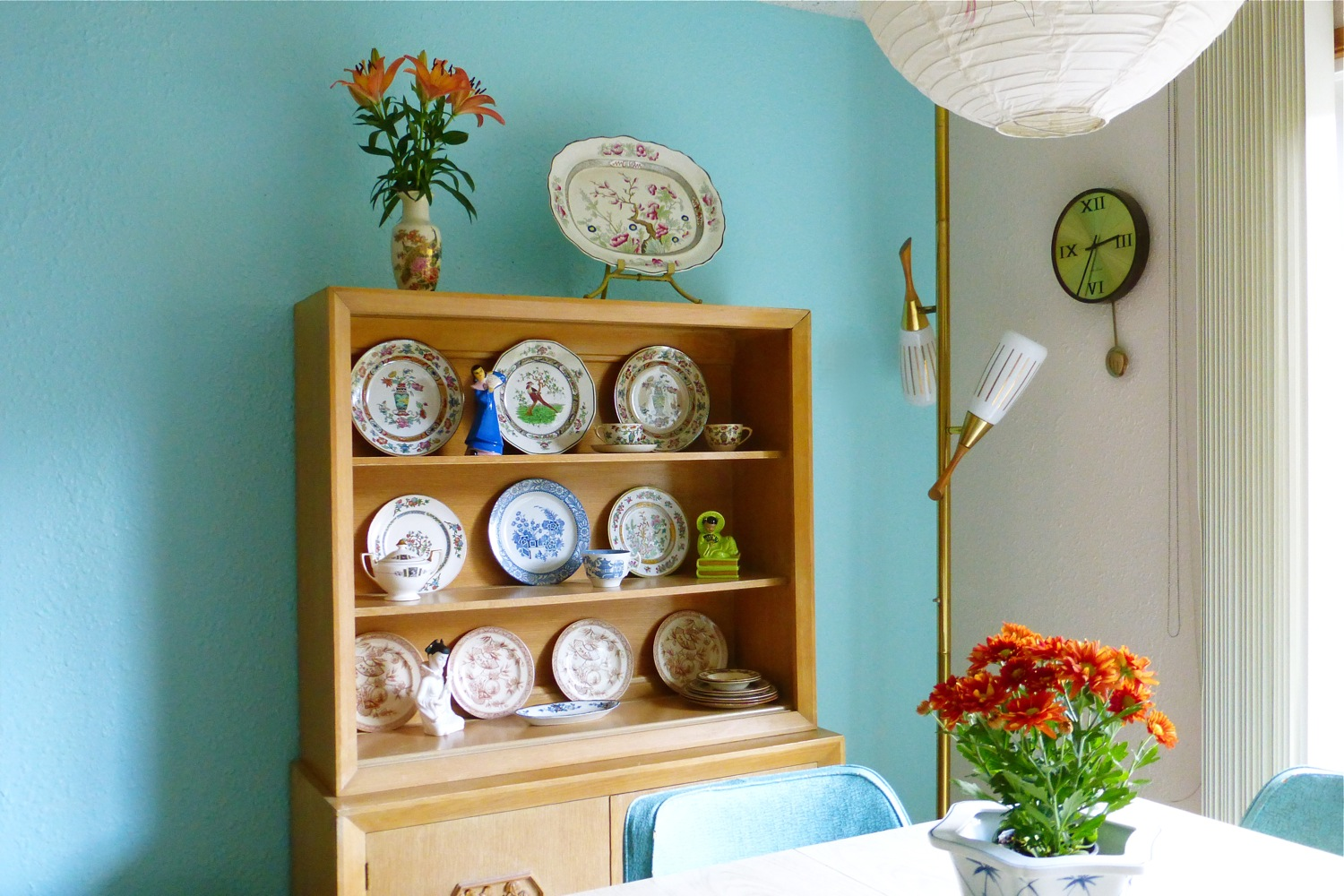 Styling a James Mont Midcentury Chinoiserie Limed Oak Hutch with Antique Chinoiserie Revival Dish ware, Midcentury styling, antique chinoiserie dish ware, chinoiserie styling, 1880 Brownfield & Son, 1900 Royal Doulton Pekin, 1917 Wood & Sons Woods Ware Wincanton plate, 1917 Wood & Sons Woods Ware Canton teacup, 1917 Wood & Sons Woods Ware Mayfair platter, Klein ©49 asian Chinoiserie figurine, 1913 Johnson Bros Pareekware plate, 1920 Cleveland China sugar bowl, 1905 Foley Art China Peacock Pottery Indian Tree plate, midcentury asian girl with fan bookend figurine, 1880 Alaska H & R plates, 1950 Ardalt Lenwile China asian girl playing musical instrument figurine, 1862 Burgess & Leigh Indian Tree platter