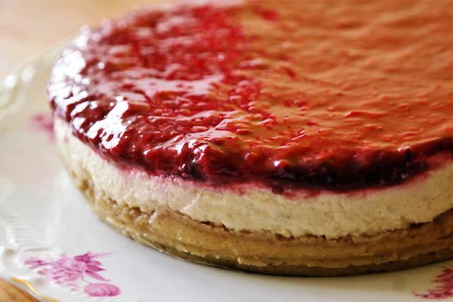 Çilekli Frambuazlı Pasta (Rafine Unsuz ve Şekersiz)