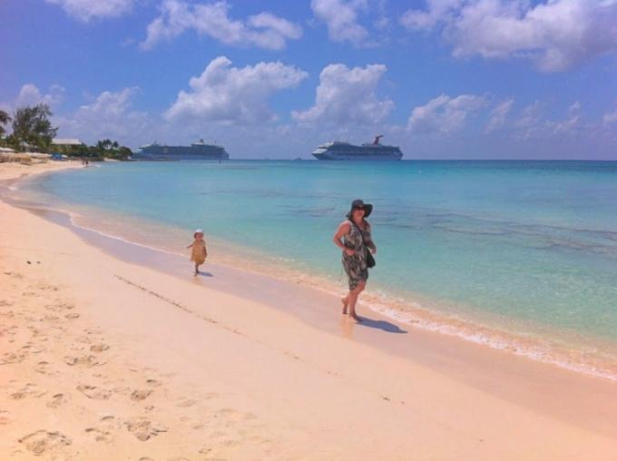 Karibian risteily lasten kanssa - vinkit ja kokemuksia Carnival Glory ja MSC Divina / Caymansaaret