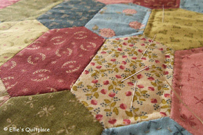 Ellie's Quiltplace EQP Textiles Modern Traditions
