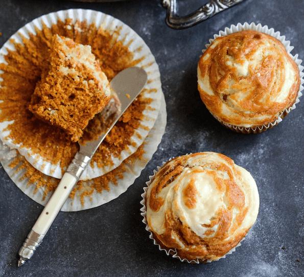 PUMPKIN CREAM CHEESE SWIRL MUFFINS #pumpkin #dessert