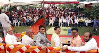 केन्द्रीय राज्य मंत्री गुर्जर के गोद लिए गांव तिलपत में बीजेपी नेता राजेश नागर का भव्य स्वागत