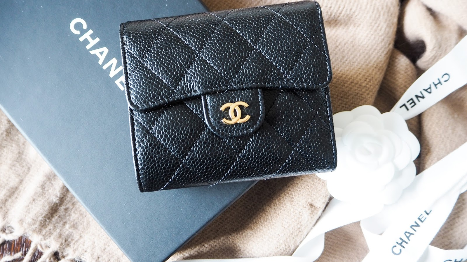 Chanel classic small lamskin wallet, photos and review
