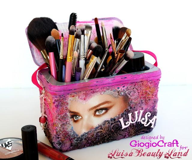https://2.bp.blogspot.com/-PGbyPupsdbk/WGDHJfuHepI/AAAAAAAAPd4/uZmSkOHtIMQgmVMnG0xE0Ykrz1NWS2hmwCLcB/s640/makeup_holder1.JPG