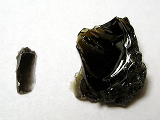 Черен обсидиан и тектит индошинит