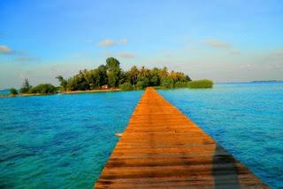 http://www.teluklove.com/2017/04/pesona-keindahan-wisata-pulau-cangkir.html