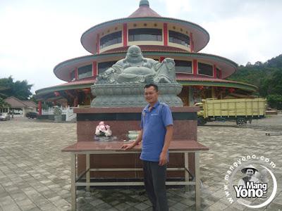 Vidio : Wisata Ke Vihara Puri Agung Pulau Bangka