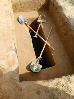 Tukang Kayu Bakar Menemani Mayat Konglomerat Di Dalam Kubur, Ini Yang Terjadi
