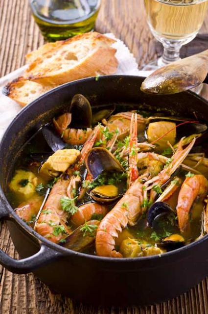 AN AUTHENTIC FRENCH BOUILLABAISSE: THE QUINTESSENTIAL FISHERMAN'S STEW