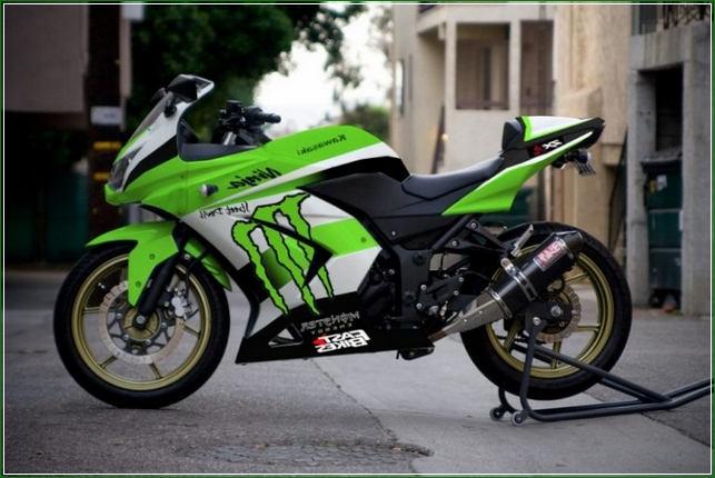 Modifikasi Warna Hijau MOnster energy - Contoh Gambar Dan Foto Konsep Desain Modifikasi Kawasaki Ninja 4 Tak 250cc Sporti Ala Moge Keren Banget