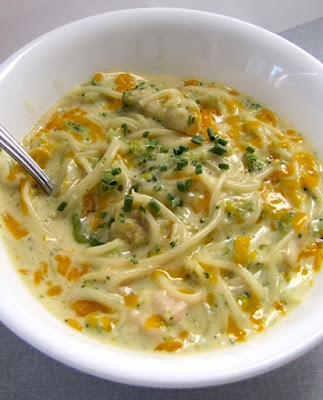 slow cooker broccoli-cheese noodle soup