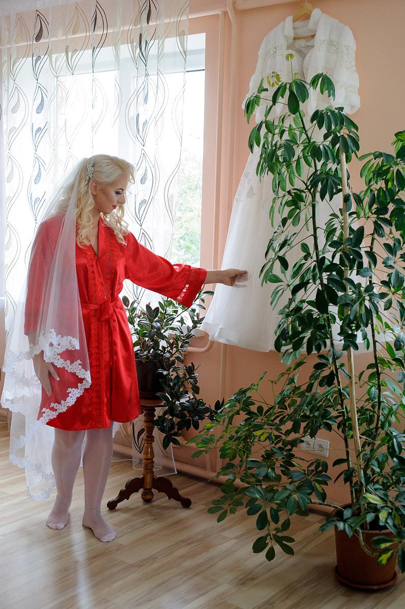 vestuvinis raudonas nuotakos chalatelis