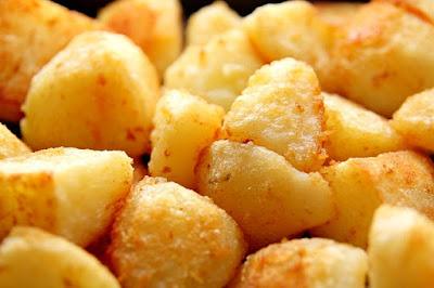 patatas hervidas regadas con aceite pimenton de la vera y sal maldon