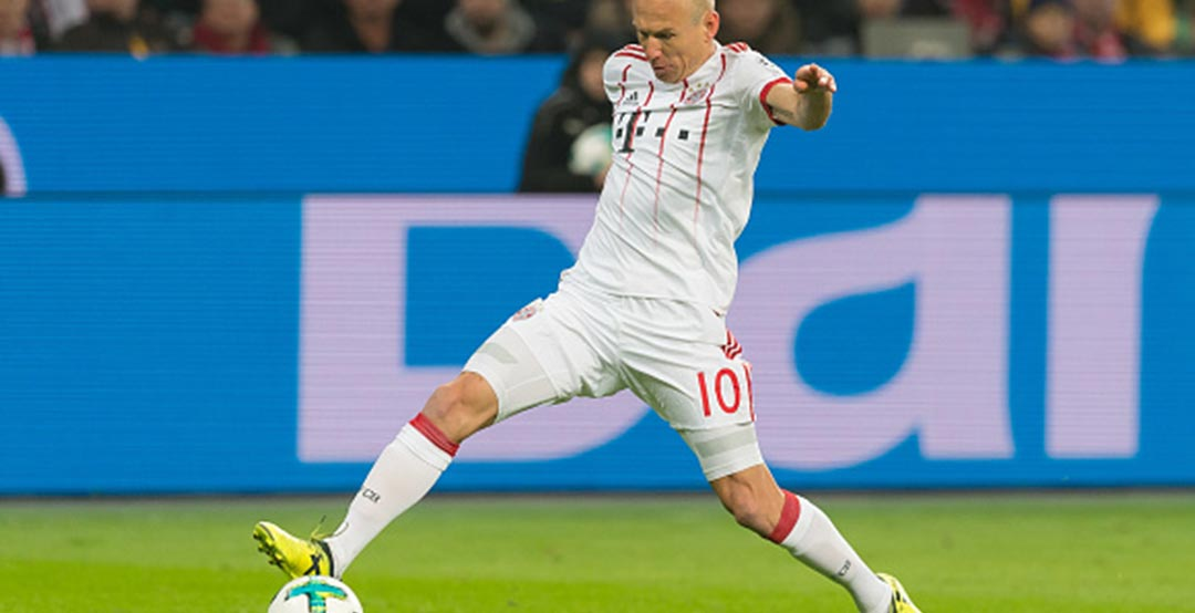8da3461c2a3 FC Bayern Munich winger Arjen Robben celebrates his 34th birthday today. We  take a closer look at Arjen Robben s Adidas X football boots