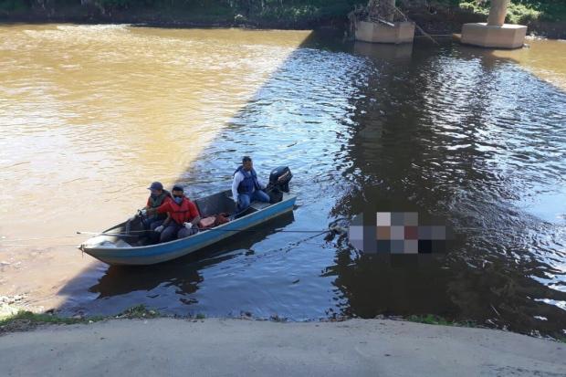 IML faz exames para identificar corpo de mulher encontrada no Rio das Velhas
