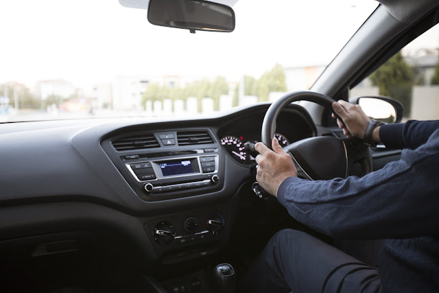 Armenia importa vehículos con volantes a la derecha