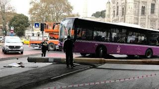 Halk otobüsü tramvay Yoluna Girdi