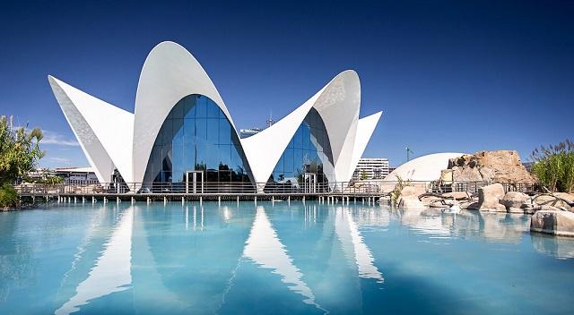 10 tempat wisata terbaik di spanyol