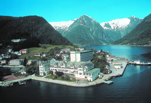 Aerial view of the Kviknes Hotel surrounded by the Sognefjord in Balestrand, Norway.