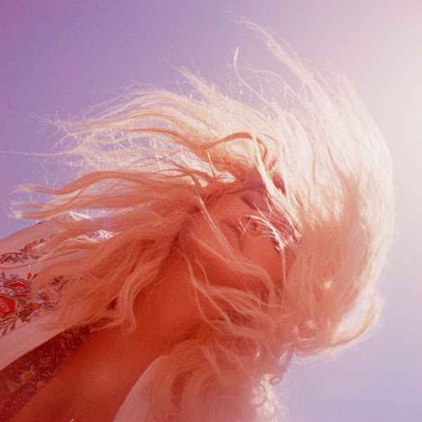 Kesha - Woman (The Remixes) - Single Cover