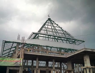 Kontruksi rangka atap baja berat WF di Masjid
