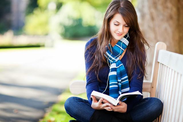 Manfaat Suka Membaca Novel