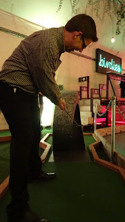 Minigolf in London at Birdies Crazy Golf Club