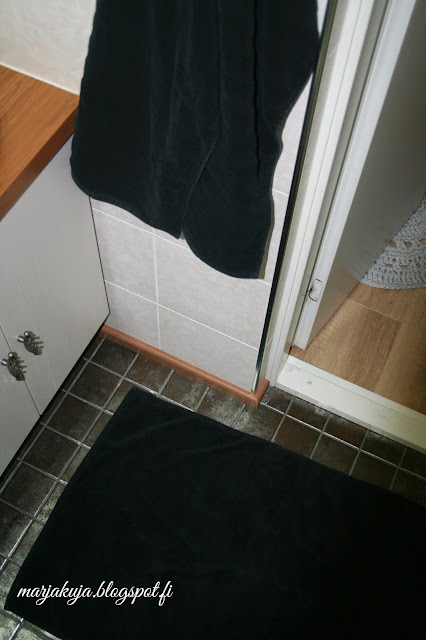 vessan mustat pyyhkeet