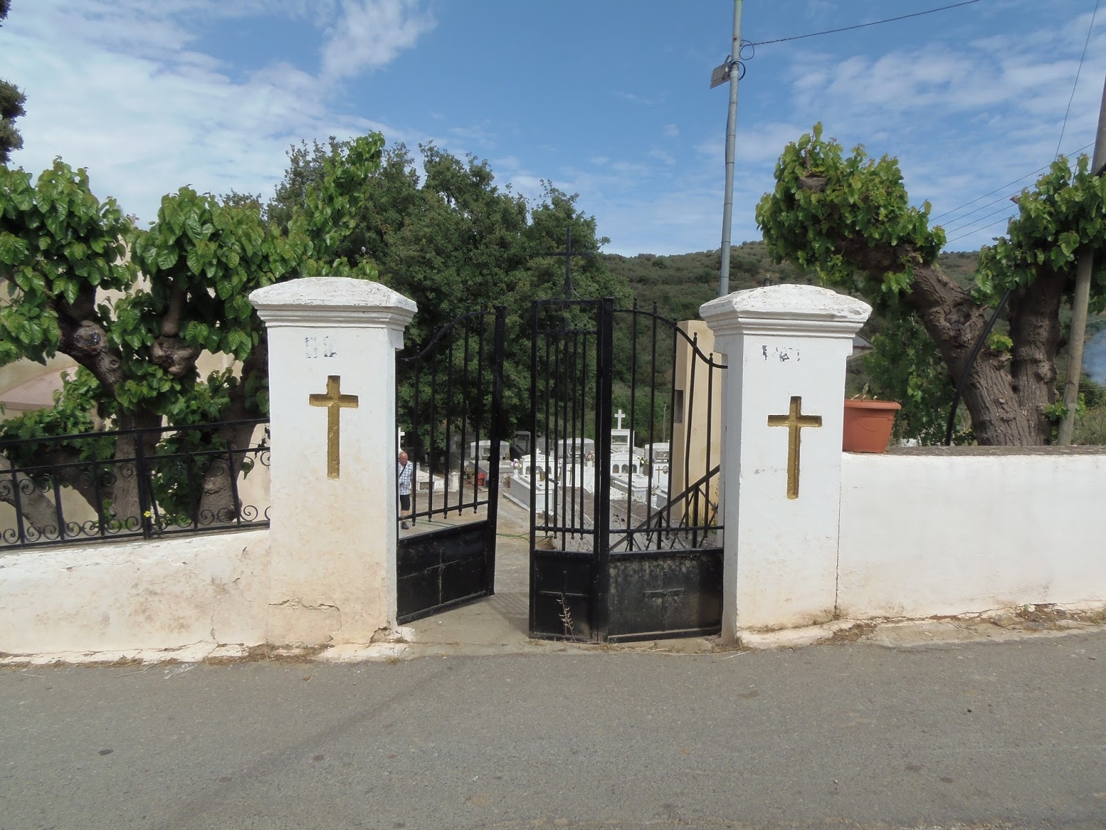 cemetery, gates, door, window, crete, greece, travel, traveling, island, jeep, safari