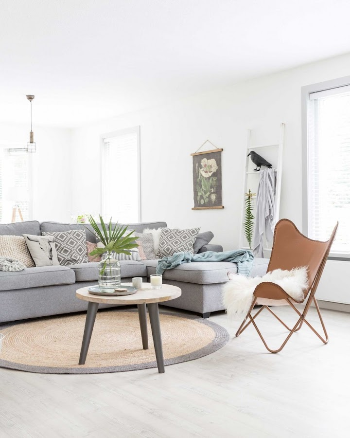 salon estilo nordico, decoracion nordica, sofa kivik, ikea, mesa de centro, mesa redonda, mesa auxiliar,