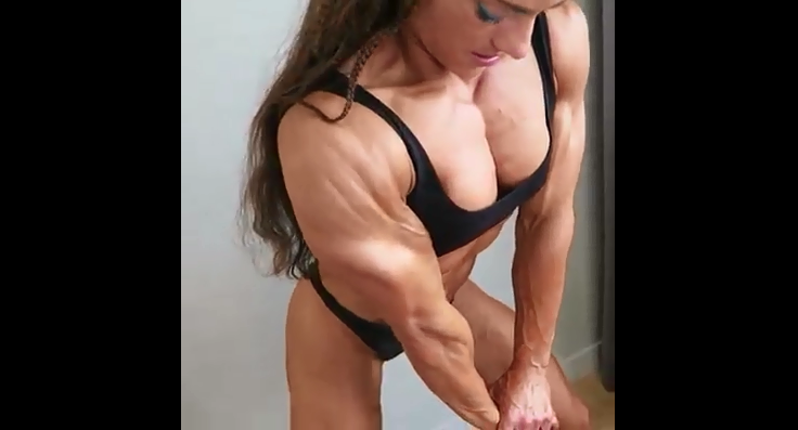 Clip Female Bodybuilder Muscle Madness