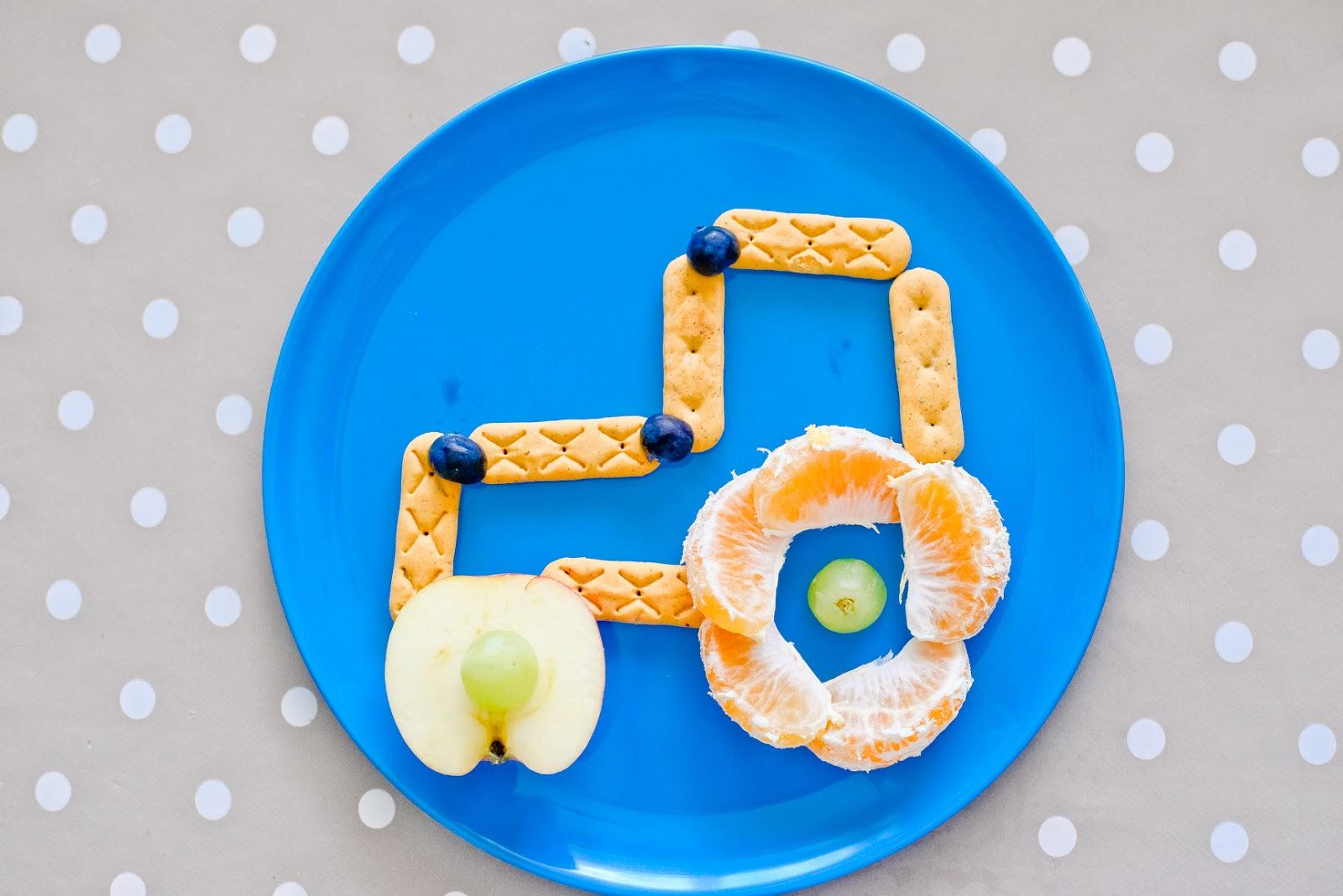 tractor snack idea, fun snack ideas for kids, toddler snack ideas, toddler snacks, healthy snacks for kids,