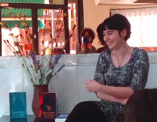 Déborah F. Muñoz en la presentación del libro Incursores del ocaso