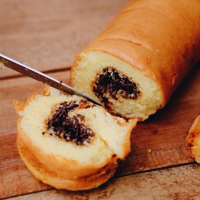 Chocolate Meises Roll Cake