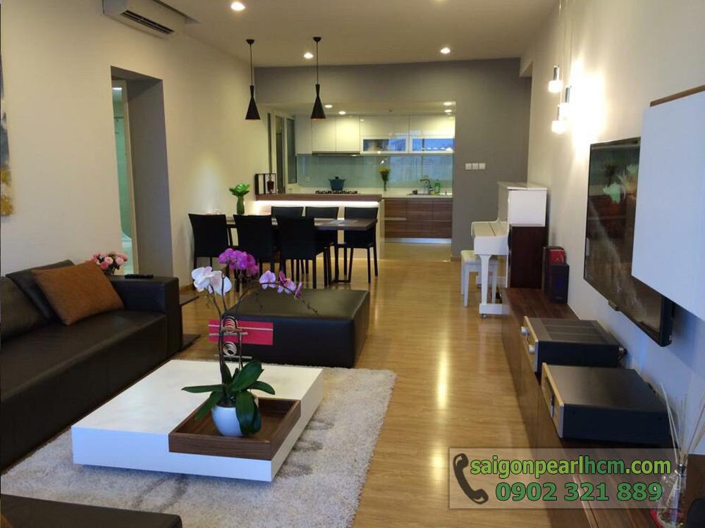 Bán Saigon Pearl giá tốt 3 phòng ngủ 135m2 nội thất siêu đẹp - phòng khách nhìn vào bếp