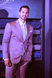 Dino Morea endorses Raymonds Signature Luxury Fabric