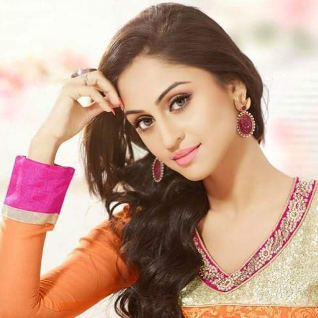 Krystle D'Souza Wiki Biography, Age, Wallpaper,Personal Profile,Tv Serial,Indian Hottie
