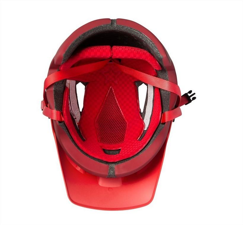c79e629adb83a Comme tout casque de ce type, il possède moins d'aérations qu'un casque de  XC, mais il y a quand même 7 aérations pour vous rafraichir le cuir  chevelu, ...