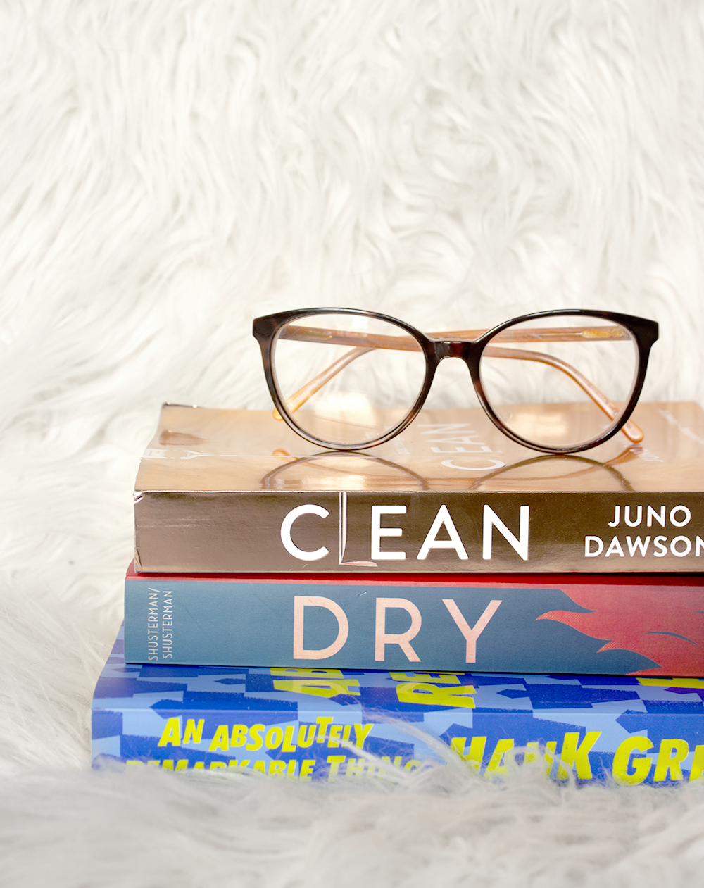 6 book reviews on books I read in January. Dry by Jarrod and Neal Shusterman, An Absolutely Remarkable Thing by Hank Green, and Clean by Juno Dawson