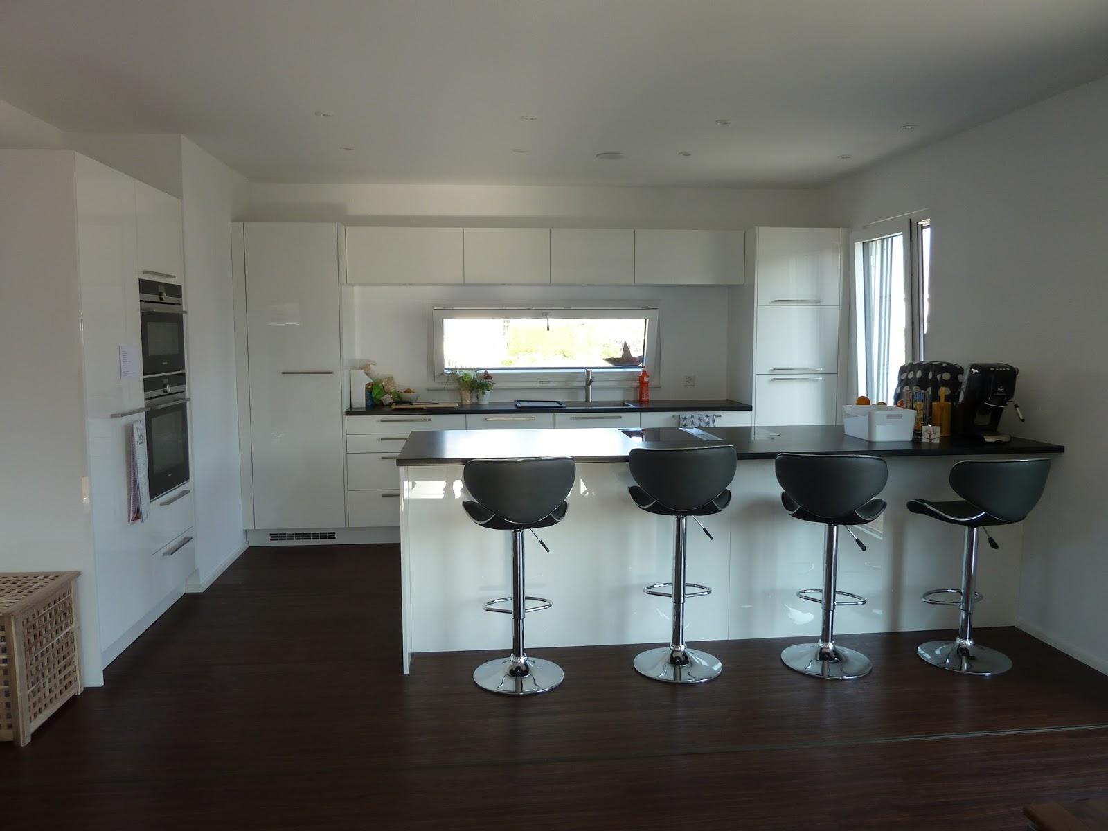 Der Traum vom Haus: So sieht\'s aus: Wohnzimmer / Küche / Eingang