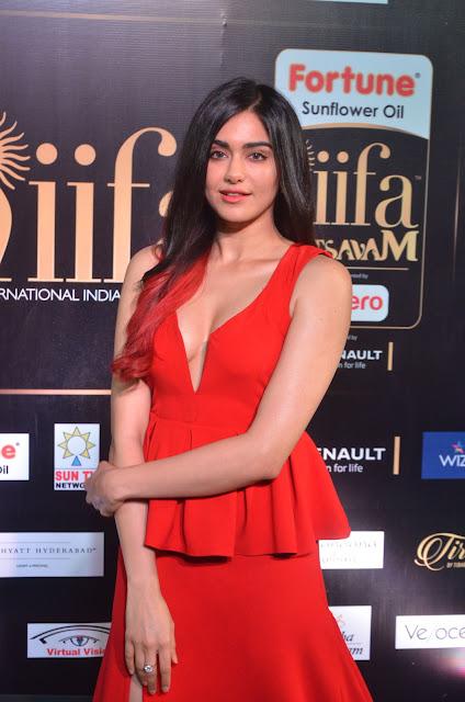 Adah Sharma Hot Stills at IIFA Utsavam Awards 2017