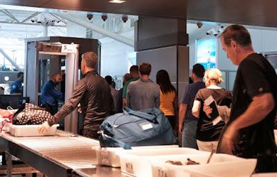 Ứng dụng công nghệ mới kiểm tra an ninh sân bay