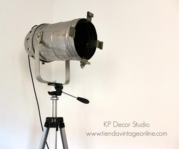 Comprar lámpara trípode de pie tipo foco de cine