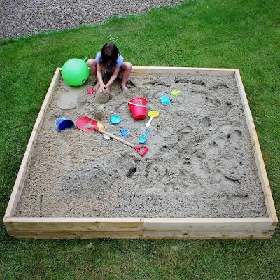 Ultrasnel een extra grote zandbak maken met een modulair  en uitbreidbaar bouwpakket