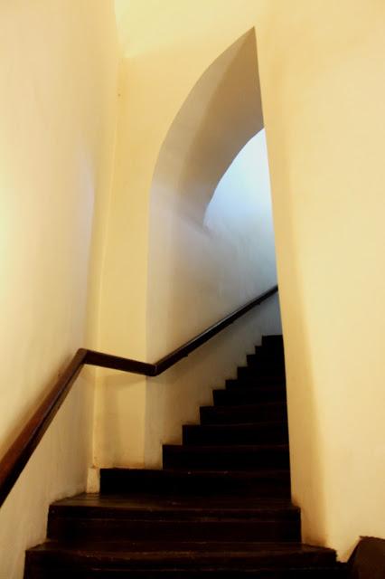 Начало лестницы на колокольню