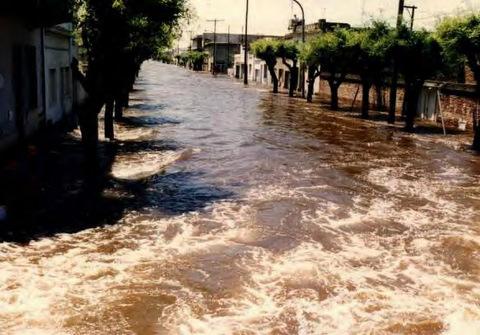 Resultado de imagen para zanjones para evitar las inundaciones en la antigua Buenos Aires
