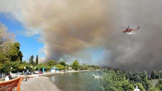 Κόλαση στην Εύβοια: Εκκενώθηκαν οικισμοί - Μάχη με τις πύρινες φλόγες