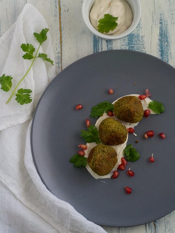 falafel-con-salsa-de-yogur-y-tahini