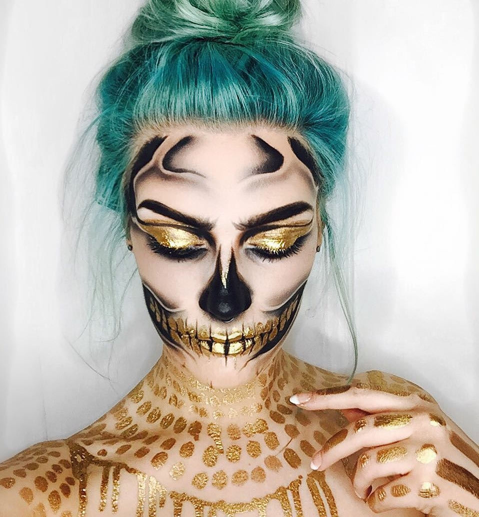 11-Gold-Skull-Erika-Marie-Mua-Makeup-Inspirations-for-Halloween-www-designstack-co