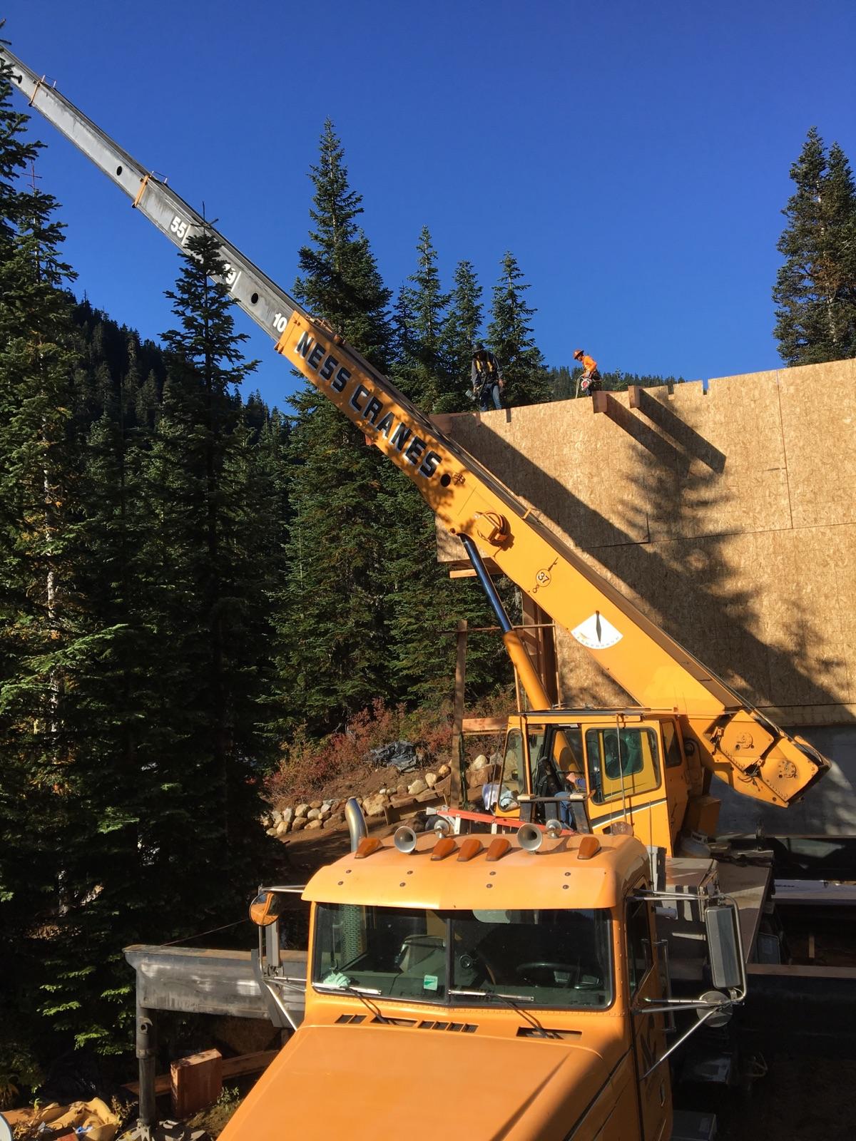 Knarrow haus big meaty wood beams flying for Flying haus